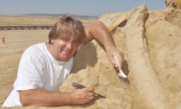 Dr Miomir Korać, arheolog